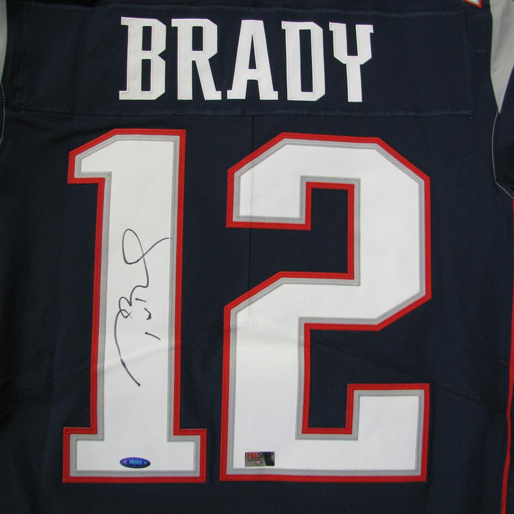 competitive price 8a22f 11fa3 Tom Brady Autographed Nike Elite Jersey